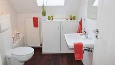 Formula limpador de banheiro bactericida