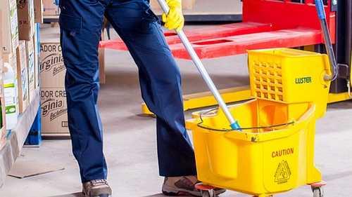 Como fazer detergente caseiro para limpar o chão