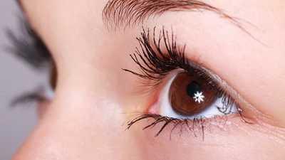 Como fazer loção demaquilante para a área dos olhos